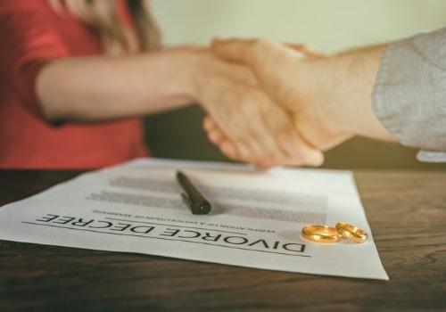 A client shaking hands with an attorney for Family Law in East Peoria IL
