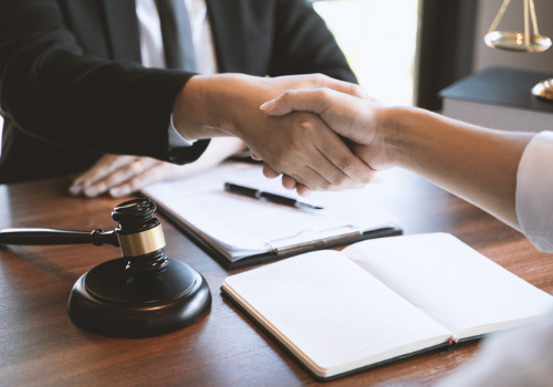 DUI Attorney for Morton IL shaking hands with client